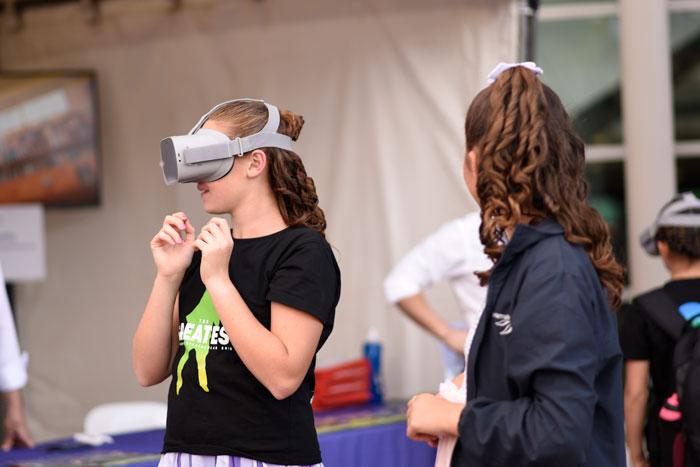 DE International booth - VR Experience